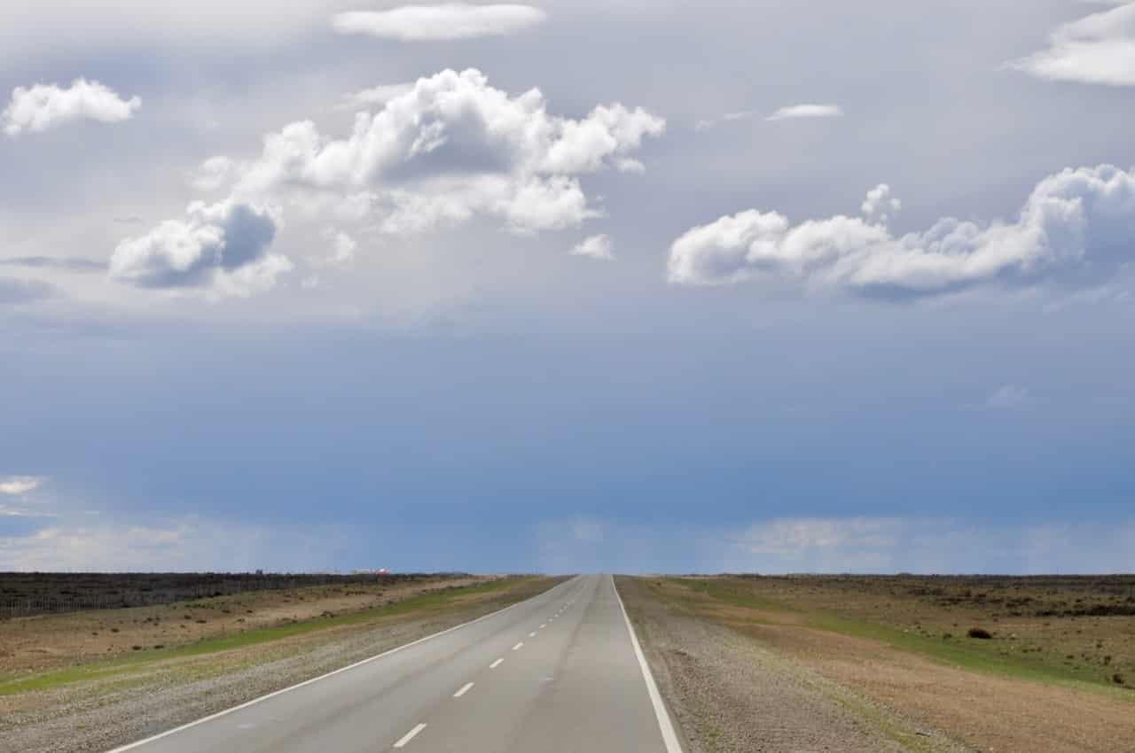 Straße durch die Pampa